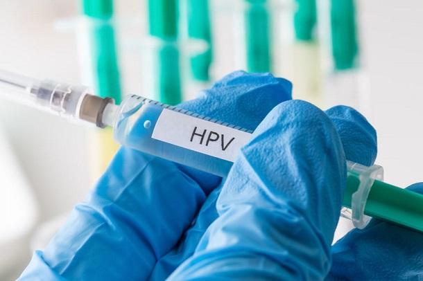 HPV Impfung - Bild mit Spritze