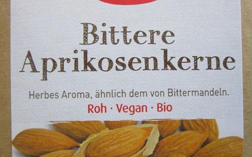 Bittere Aprikosenkerne wie diese von einigen Lieferanten angeboten werden
