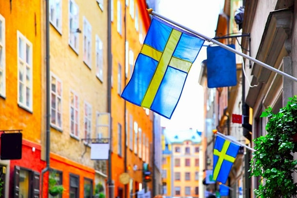 Schwedenflagge in einer Stadt